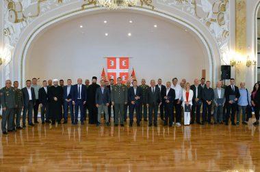 ВОЈСКА СРБИЈЕ ДОДЕЛИЛА ПРИЗНАЊА  ПОЈЕДИНЦИМА И ИНСТИТУЦИЈАМА